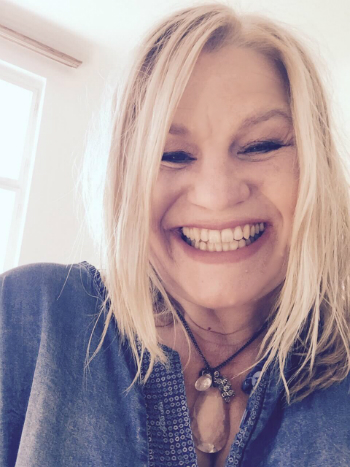 Kara Johnstad - singer-songwriter, voice expert and mentor to voices changing our world