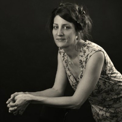 Lena Grabowski, Inner Potential Facilitator. Studio for Creativity & Holistic Health, trained by voice expert Kara Johnstad