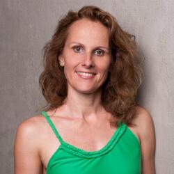 Anke Hofmann, Physio Yoga Instructor | www.yogasolutions.de