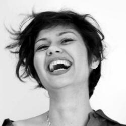 Indrani Ashe, Spoken Word Programs | www.schoolofvoice.berlin