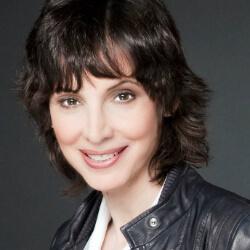 Joyce Mordoh, Singer-Songwriter | www.schoolofvoice.berlin