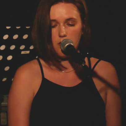 Liza Wolowicz, Teacher for songwriting   www.schoolofvoice.berlin