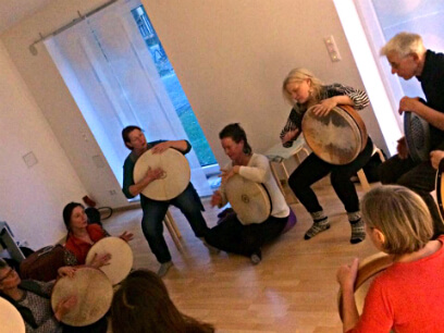 Frame Drumming Workshop with Ricarda Raabe at School Of Voice   www.schoolofvoice.berlin