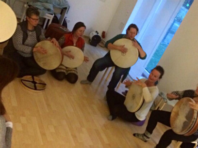 Frame Drumming Workshop with Ricarda Raabe at School Of Voice | www.schoolofvoice.berlin