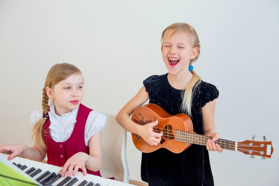 Mini Singer-Songwriters with Susanne von Sonntag | www.schoolofvoice.berlin