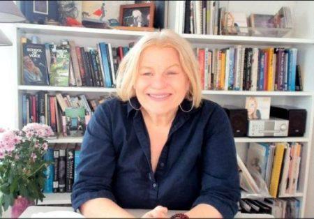Kara Johnstad - founder of the School Of Voice